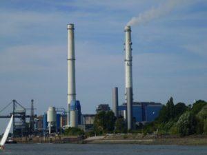 Kohle-Heizkraftwerk Wedel 2-Sept-2012 -01