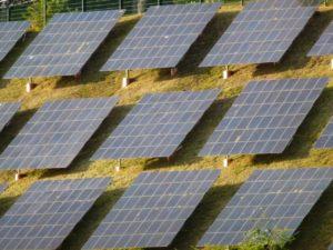 Immer mehr Unternehmen setzen auf die eigene Stromerzeugung. Die alten Stromkonzerne verlieren immer mehr.... Foto: Dirk Seifert