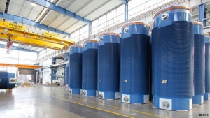 Castorbehälter für hochradioaktiven Atommüll. 80 Stück davon baut die GNS pro Jahr. Foto: GNS