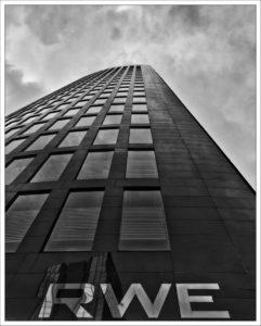 RWE-Konzern schwankt... Foto: Ralf Schmitz_pixelio.de