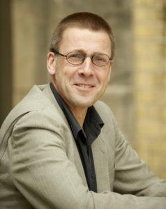 Niko Paech, Aufsichtratschef der Oldenburger Bürger Energie kritisiert das Bewerbungsverfahren zur Stromnetz-Übernahme.