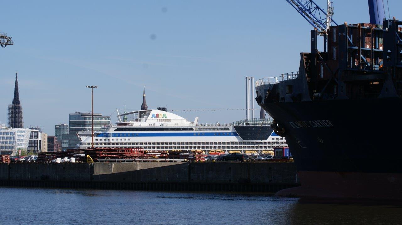 Atomtrachter Atlantic Cartier im Hamburger Hafen. Foto: Dirk Seifert