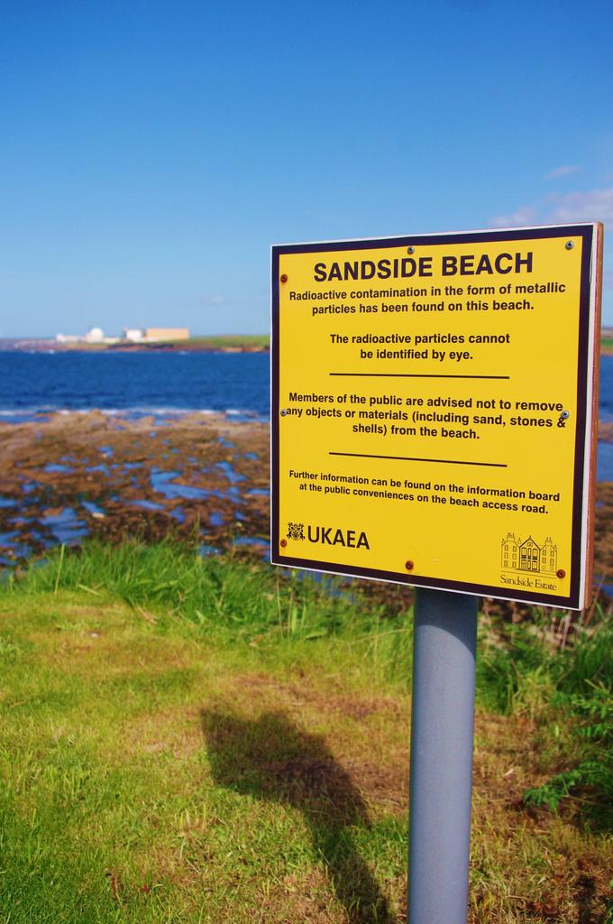 dounreay Beach © Plattbridger