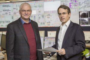 Projektdirektor Udo Gade und Kraftwerksleiter Dr. Karsten Schneiker im Gespräch vor Ort, Foto: Vattenfall