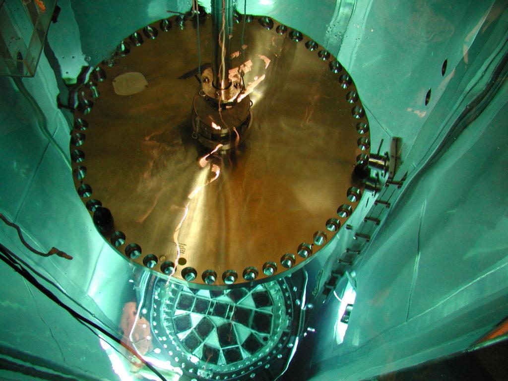 Beladung Castor unter Wasser - mit Deckel - Betreiberfoto GNS