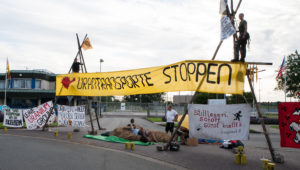 Blockade-Beginn an der Uranfabrik in Gronau. Foto: Pay Numrich