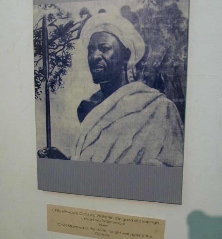 Im Widerstand gegen deutsche Kolonial-Politik in Deutsch Ostafrika: Chief Mkwawa. Foto aus dem National-Museeum Tansania in Dar es Salaam