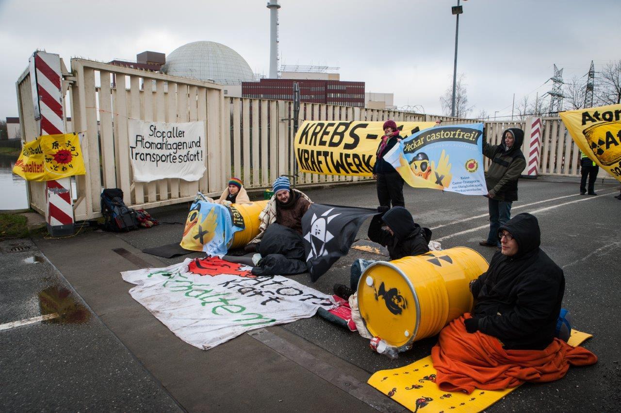 Spontan-Demo Brokdorf aktut: Keine Inbetriebnahme mit rostigen Brennelementen