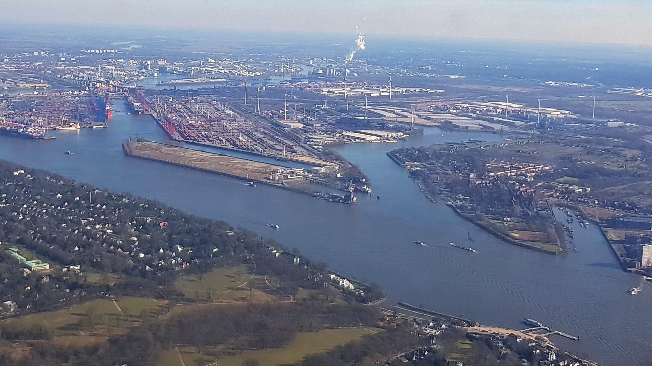 Atomtransporte durch Hamburg – Beihilfe zum AKW-Betrieb läuft